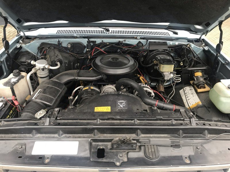 1990 Chevrolet Suburban EU delivery, Swiss car, 92.040 km For Sale (picture 4 of 6)