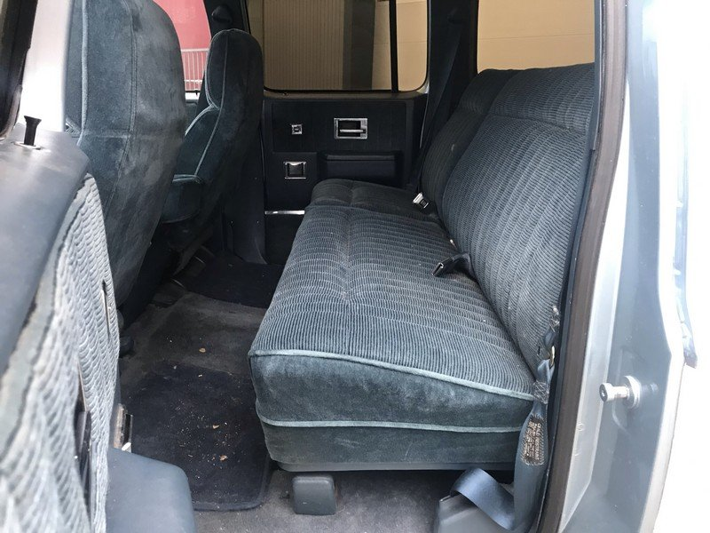 1990 Chevrolet Suburban EU delivery, Swiss car, 92.040 km For Sale (picture 6 of 6)