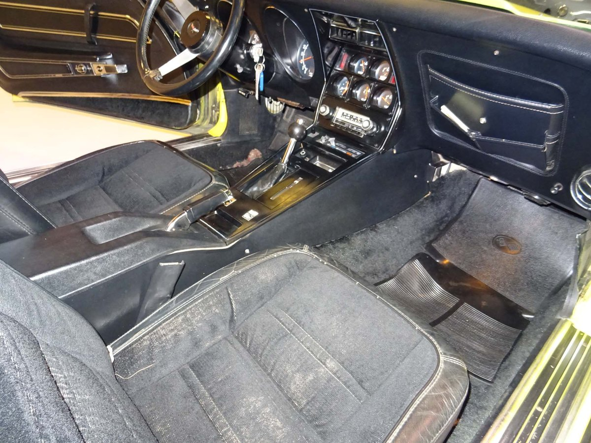 1977 Chevrolet Corvette C3 Coupe – L82 - Automatic For Sale (picture 4 of 6)