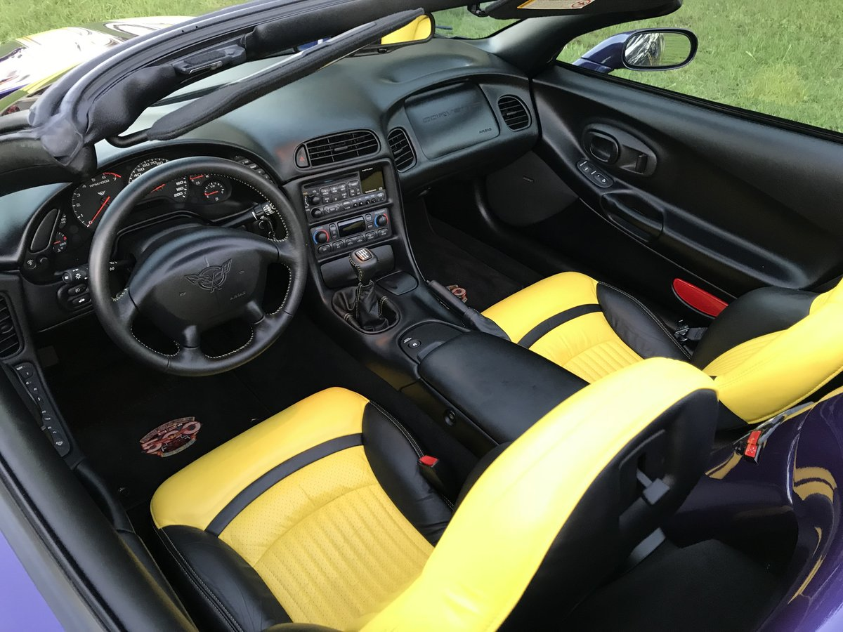 1998 CHEVROLET CORVETTE 2567 ACTUAL MILE PACE CAR CONVERTIBL For Sale (picture 3 of 6)