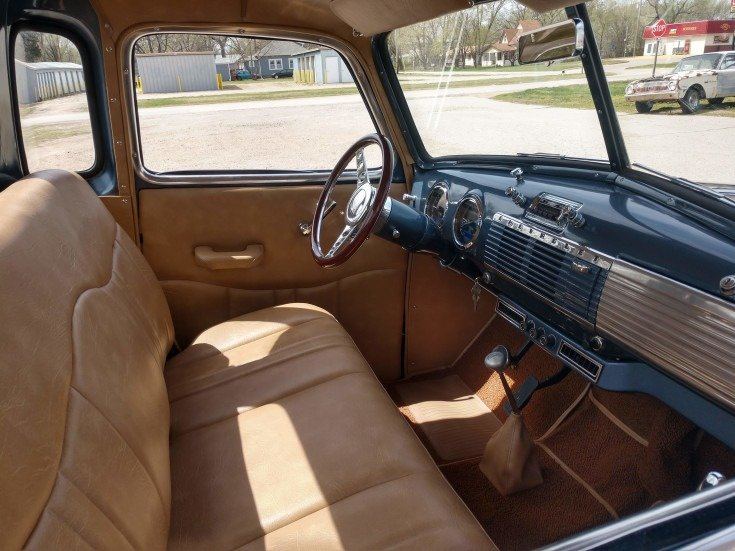 1949 Chevrolet 5 window short bed pickup For Sale (picture 3 of 6)