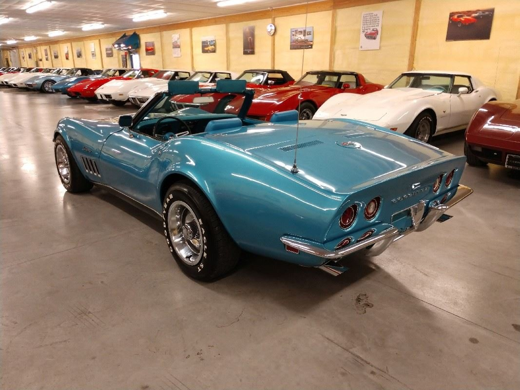 1969 Blue Blue Corvette Convertible 4spd 350Hp 2 Tops For Sale (picture 4 of 6)