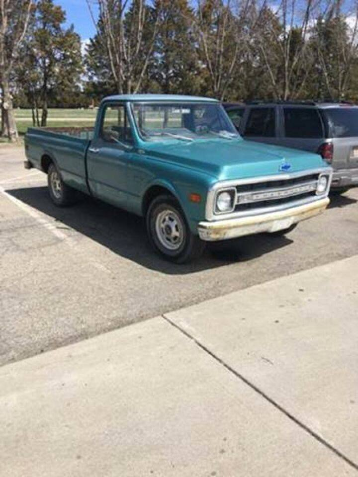1969 Chevrolet C/K 20 Pickup For Sale (picture 2 of 6)