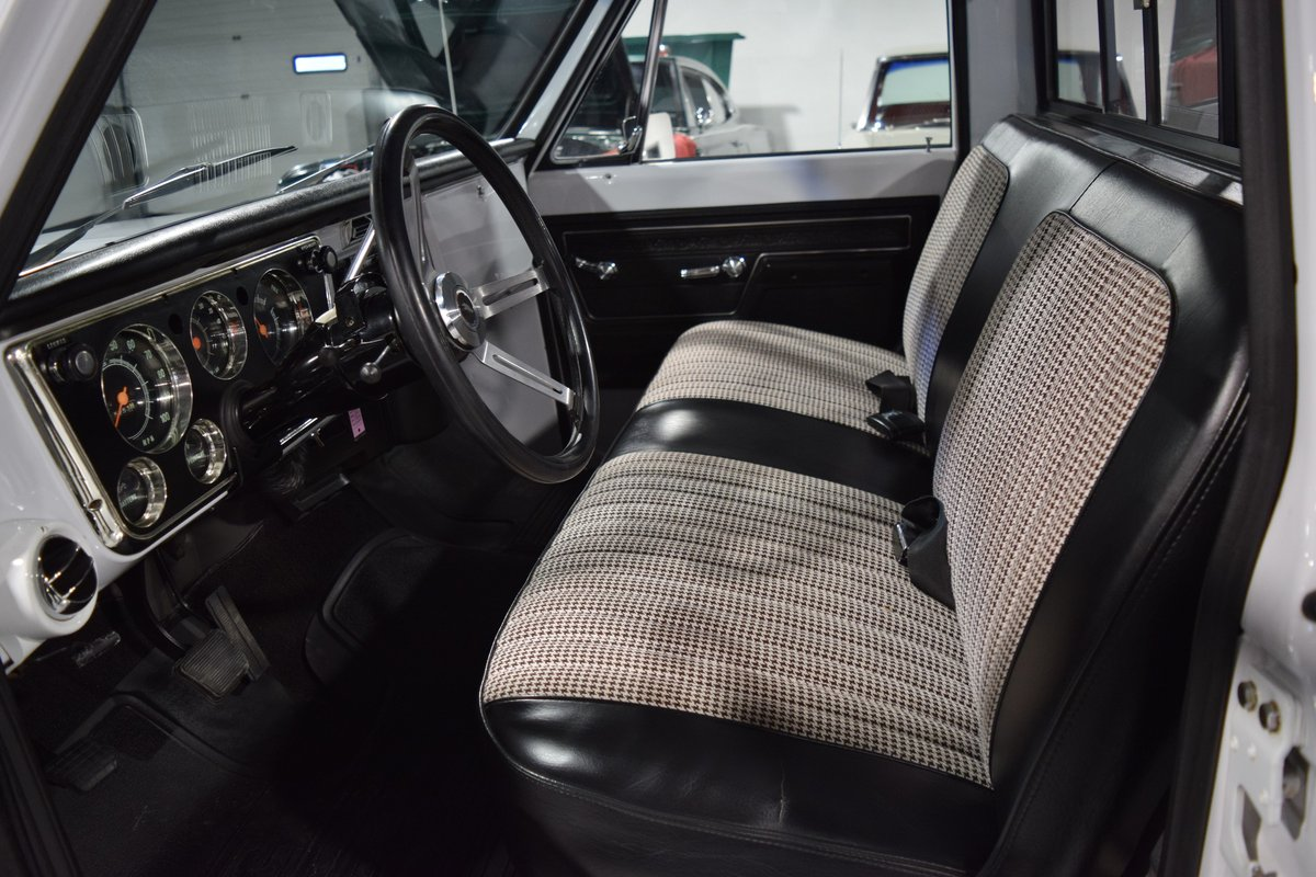 1972 Chevrolet Cheyenne C10 Pick-Up For Sale (picture 2 of 6)