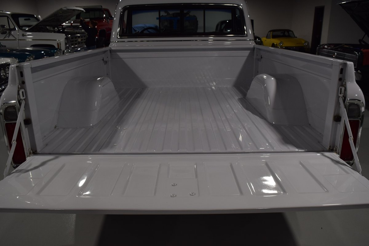 1972 Chevrolet Cheyenne C10 Pick-Up For Sale (picture 4 of 6)