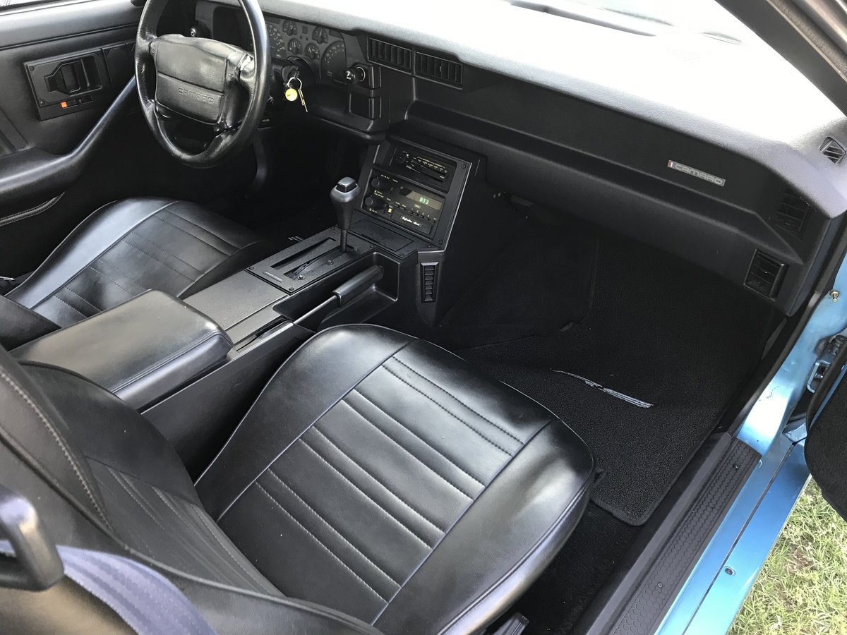 1990 CHEVROLET CAMARO 2DR COUPE RS Beautiful Light Blue For Sale (picture 2 of 6)
