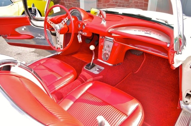 1961 Chevrolet Corvette C1 SOLD by Auction (picture 5 of 6)