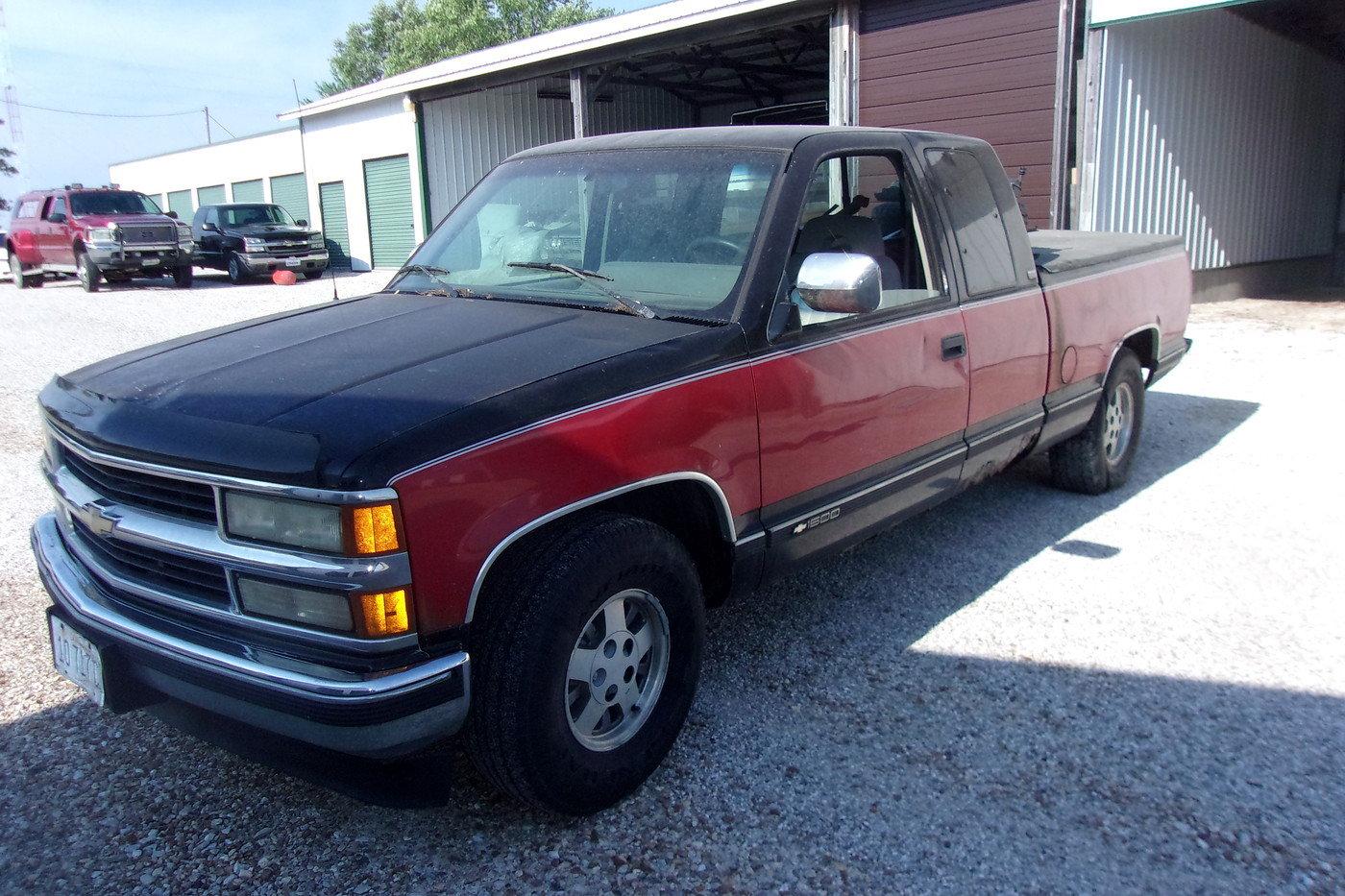 1994 Chevrolet Silverado Pickup $4800 USD For Sale (picture 1 of 6)