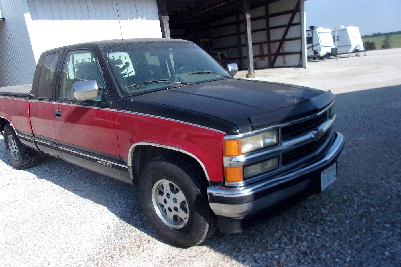1994 Chevrolet Silverado Pickup $4800 USD For Sale (picture 2 of 6)
