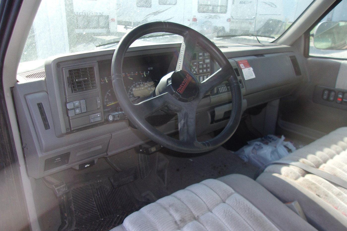 1994 Chevrolet Silverado Pickup $4800 USD For Sale (picture 4 of 6)