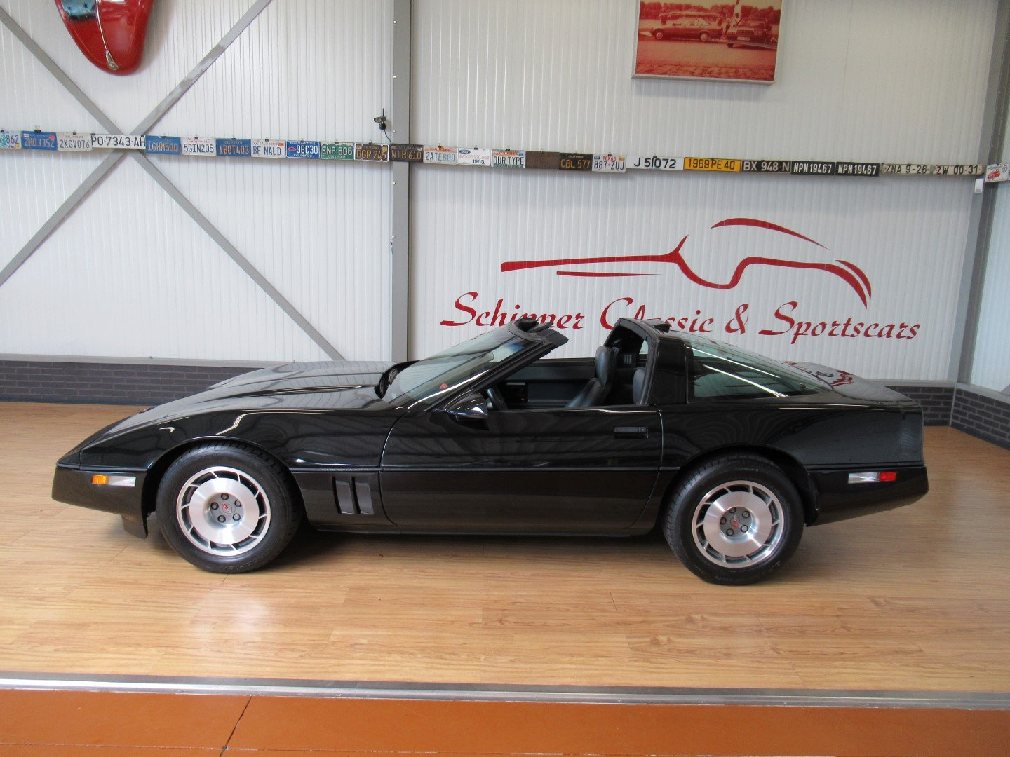 1987 Chevrolet Corvette C4 Targa-Top with just 27.000ML For Sale (picture 2 of 6)