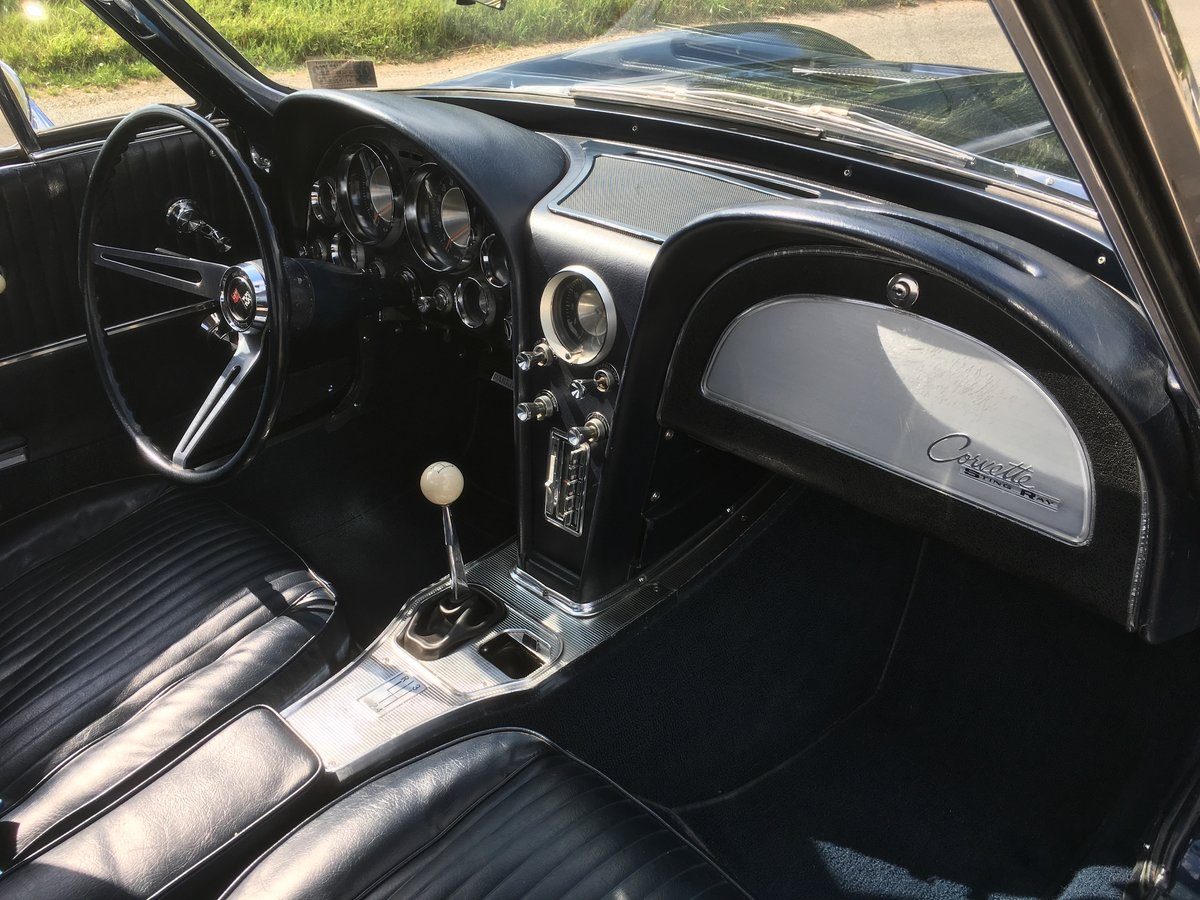 1963 Chevrolet Corvette Roadster - Matching Numbers - Two Tops For Sale (picture 6 of 6)