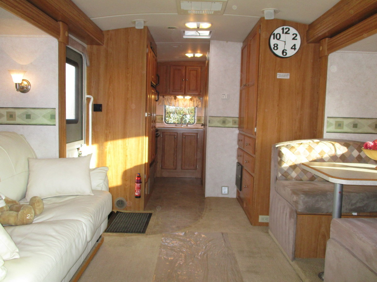 2006 B-Plus 252 Shadow RV Petrol / LPG dual fuel body paint  For Sale (picture 3 of 6)