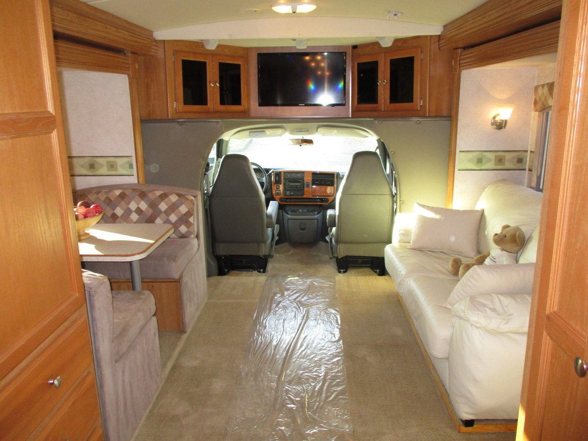 2006 B-Plus 252 Shadow RV Petrol / LPG dual fuel body paint  For Sale (picture 4 of 6)