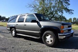 1999 Chevrolet Suburban - Lot 967