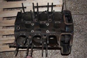 1970 DINO FIAT 2400 Engine Block & Parts