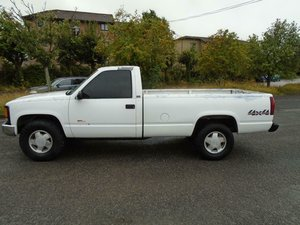 CHEVROLET K2500 SILVERADO 4X4 LWB V8 PICK UP (1995) WHITE!  For Sale