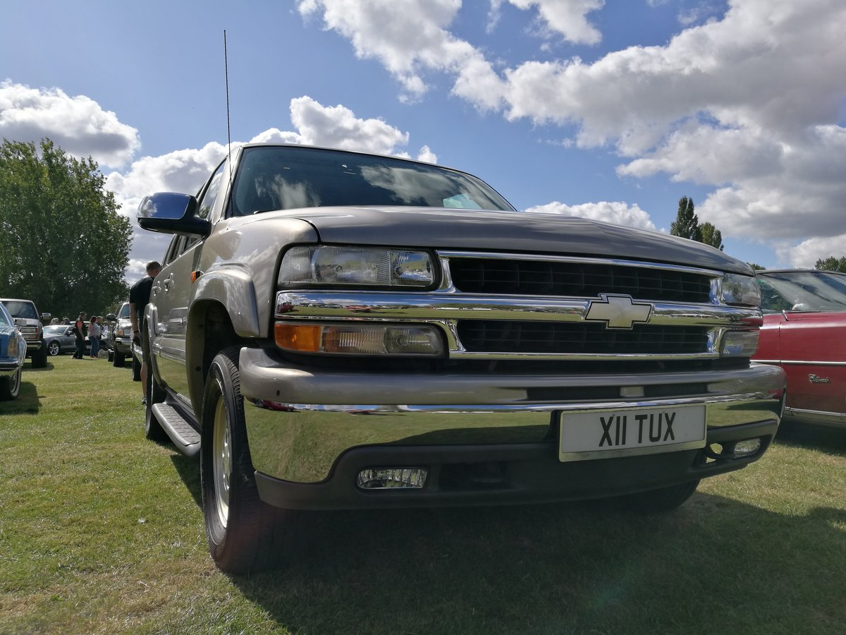 2002 Chevrolet Tahoe For Sale (picture 1 of 6)