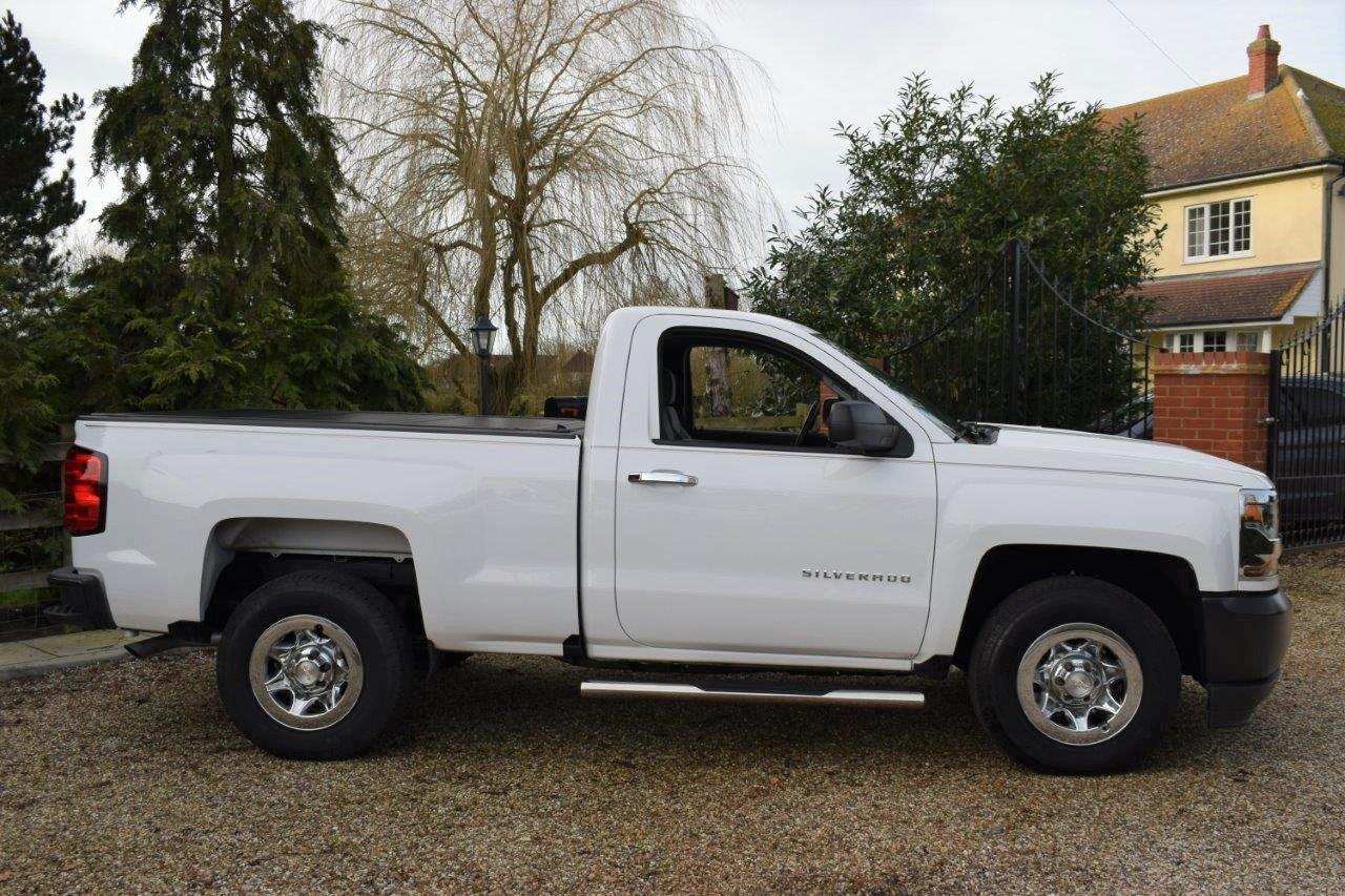 2018 Chevrolet Silverado C1500 4.3L Auto Pick Up Work Truck For Sale (picture 3 of 6)