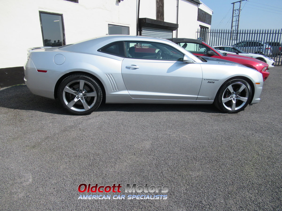 2010 Chevrolet camaro 2SS 6.2 litre V8 auto 24,000 miles For Sale (picture 4 of 6)