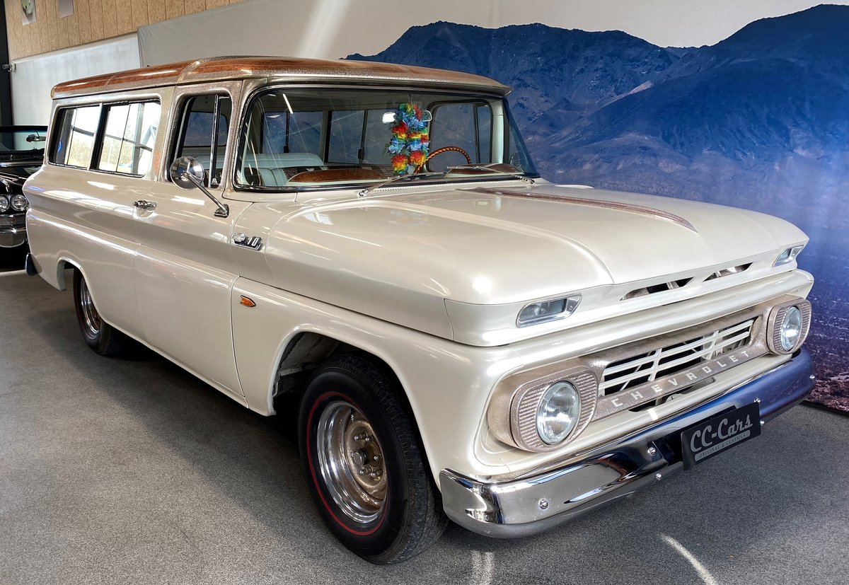 Chevrolet Suburban 1962 Totally restored  For Sale (picture 1 of 6)