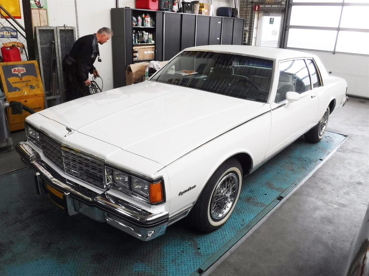 Chevrolet Caprice Classic V8 1984 For Sale (picture 1 of 6)