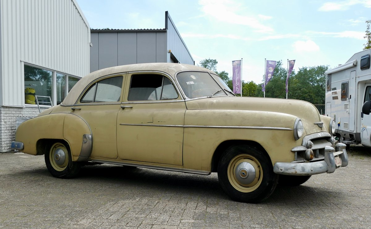 Chevrolet Styleline 4 door sedan 1950 €6950 SOLD (picture 2 of 6)