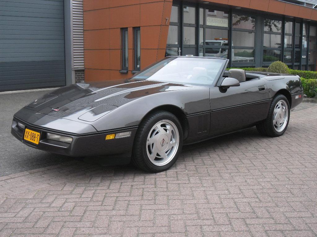 1988 Corvette Convertible For Sale (picture 1 of 6)