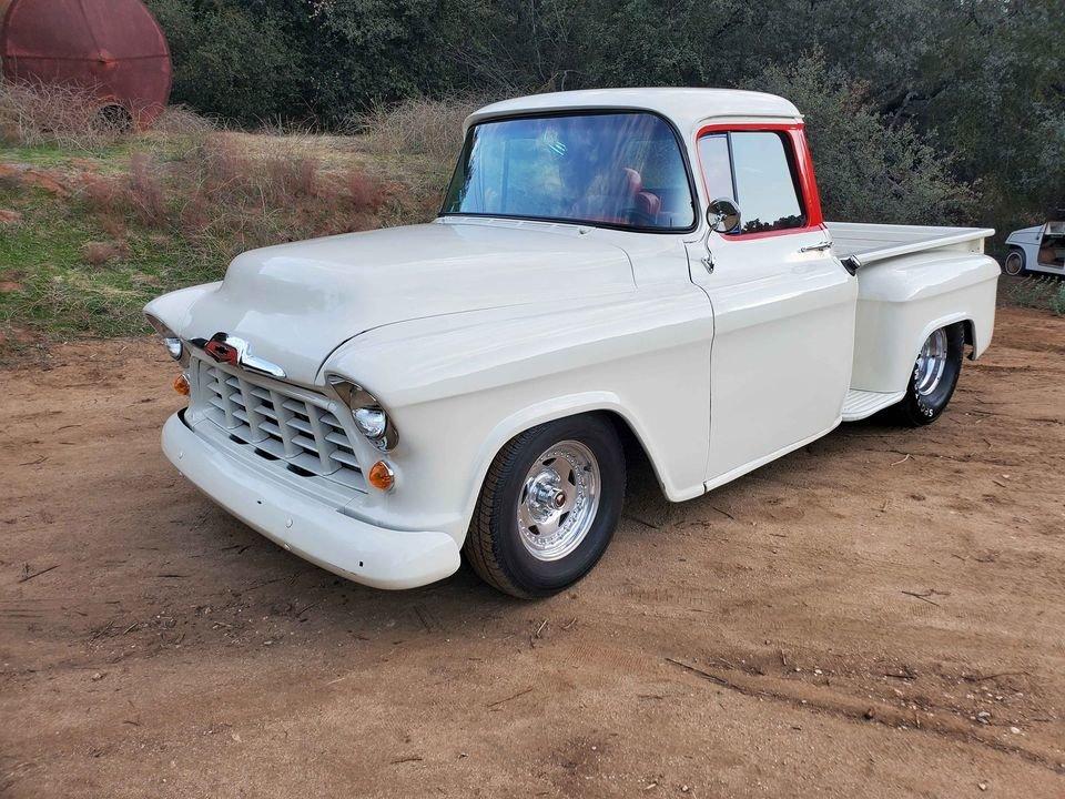 1957 Chevrolet 3100 stepside short bed 454 v8 For Sale (picture 1 of 6)