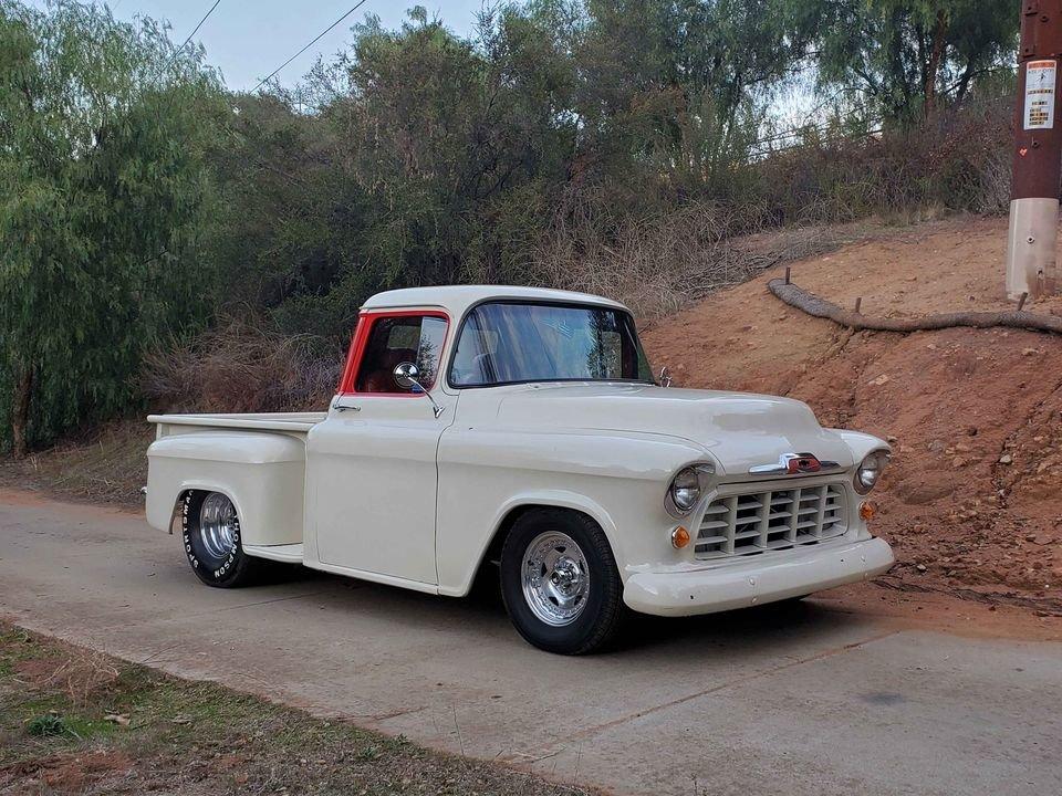 1957 Chevrolet 3100 stepside short bed 454 v8 For Sale (picture 2 of 6)