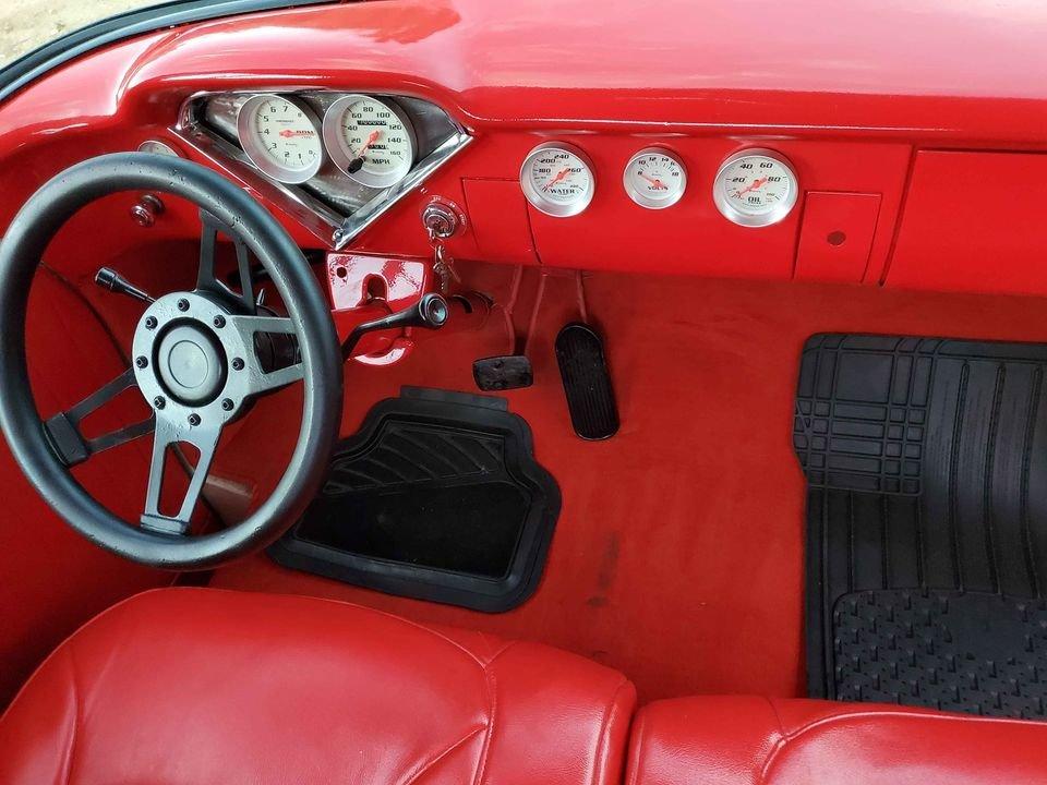 1957 Chevrolet 3100 stepside short bed 454 v8 For Sale (picture 3 of 6)