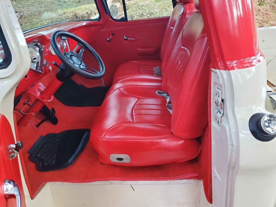 1957 Chevrolet 3100 stepside short bed 454 v8 For Sale (picture 4 of 6)