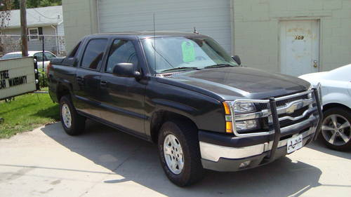 2004 Chevrolet Avalanche 4WD-4DR Pickup For Sale (picture 1 of 6)