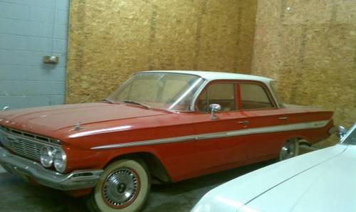 1961 Chevrolet Impala 4DR Sedan For Sale (picture 2 of 5)
