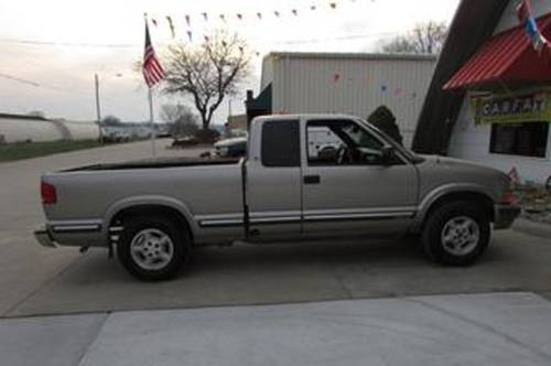 1998 Chevrolet S10 Pickup For Sale (picture 2 of 4)