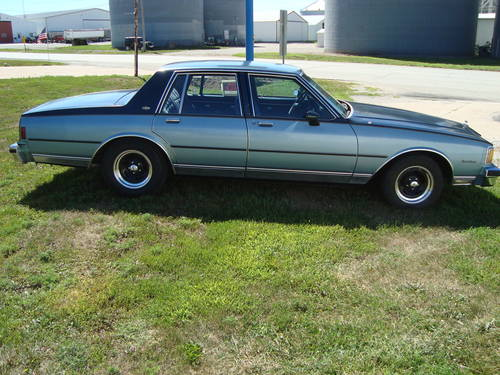 1985 Chevrolet Caprice Classic 4DR Sedan For Sale (picture 1 of 6)