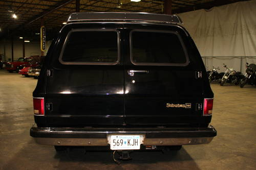 1984 Chevrolet Suburban 4x4  For Sale (picture 3 of 6)