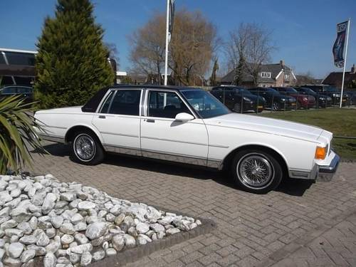 1986 Chevrolet Caprice Classic Brougham 5.0 For Sale (picture 1 of 6)