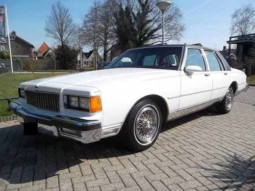 1986 Chevrolet Caprice Classic Brougham 5.0 For Sale (picture 2 of 6)