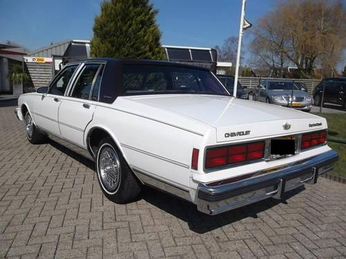 1986 Chevrolet Caprice Classic Brougham 5.0 For Sale (picture 3 of 6)