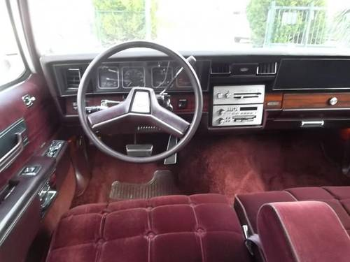 1986 Chevrolet Caprice Classic Brougham 5.0 For Sale (picture 4 of 6)