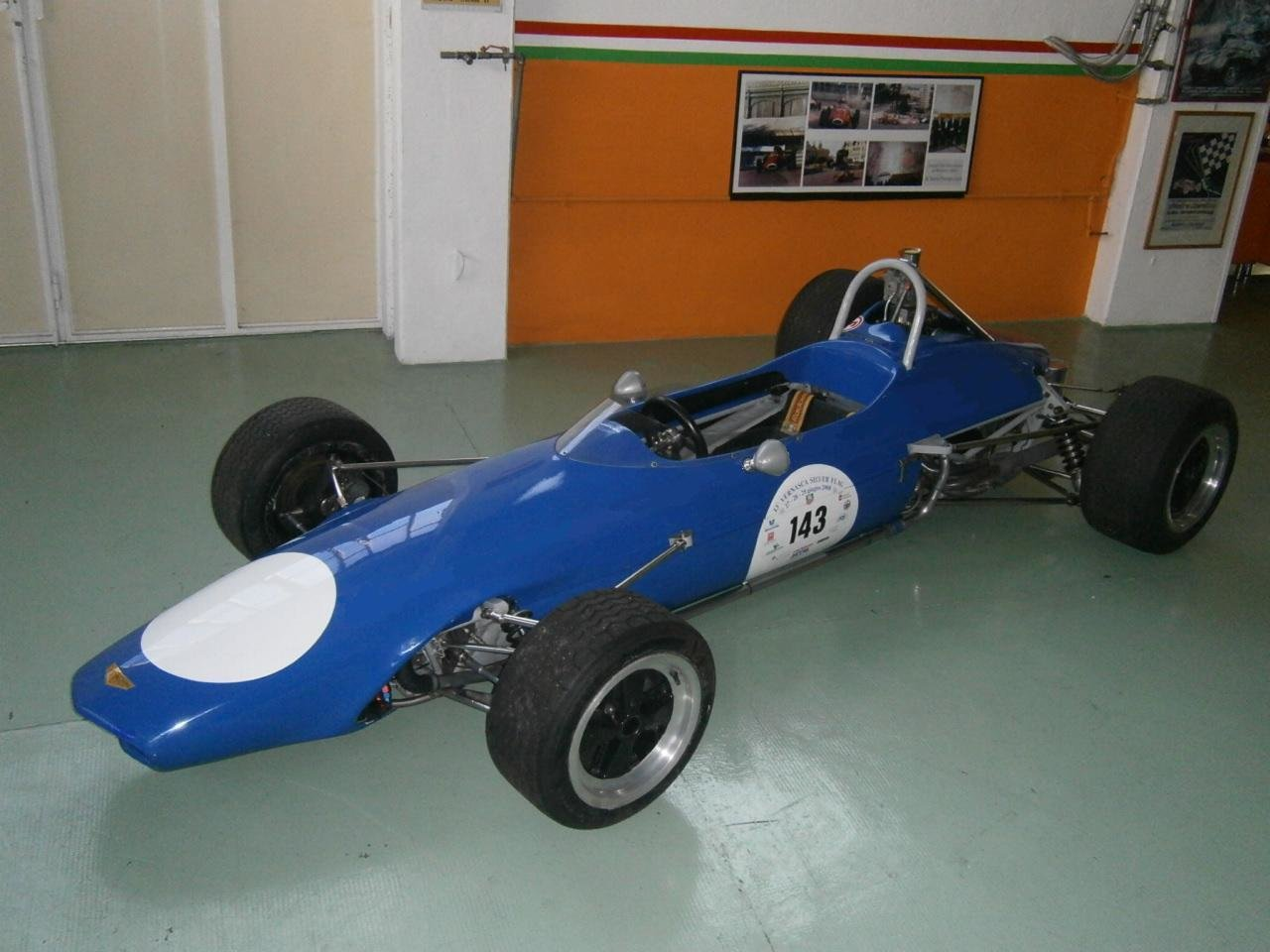 CHEVRON B9 F3 - 1968 For Sale (picture 1 of 6)