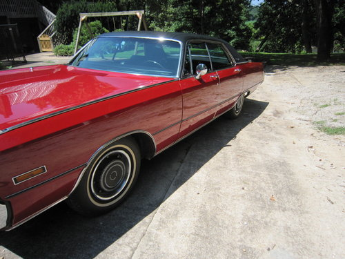 1970 Chrysler 300  Low Mileage 44294 Spare Never Been On. For Sale (picture 1 of 6)