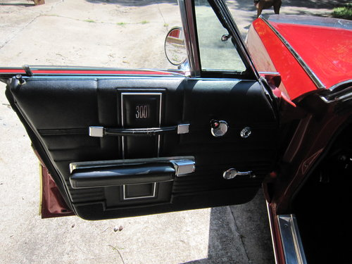 1970 Chrysler 300  Low Mileage 44294 Spare Never Been On. For Sale (picture 3 of 6)