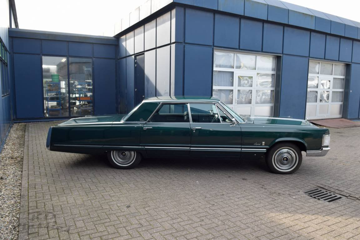 1967 Chrysler Imperial 4D Sedan For Sale (picture 2 of 6)