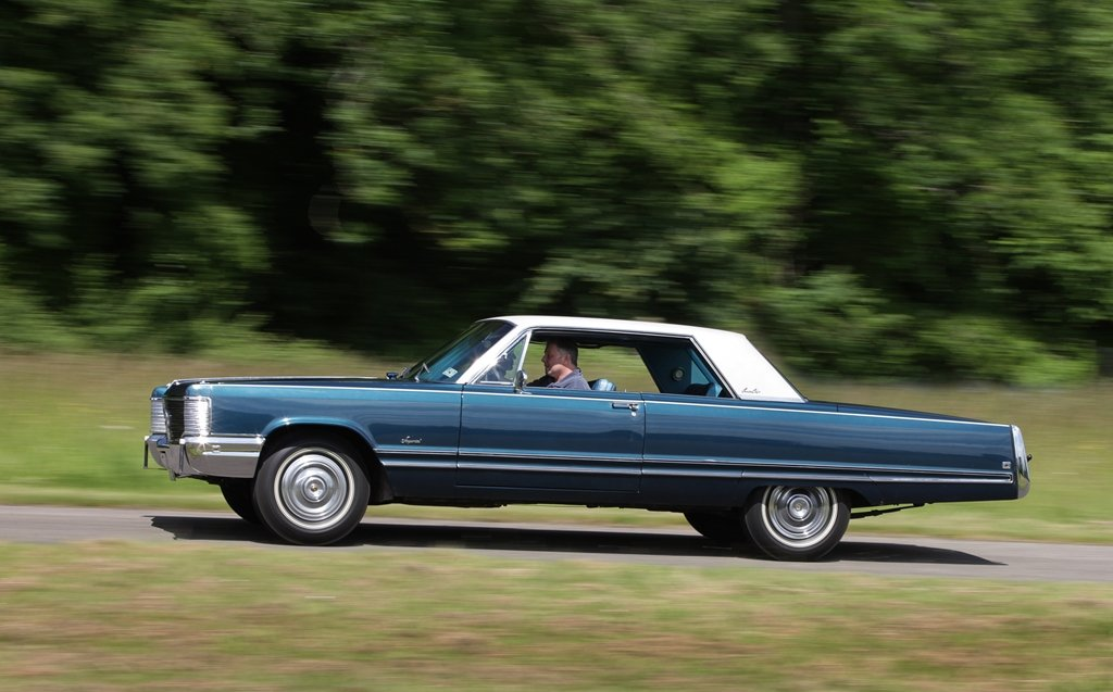Rare 1968 Chrysler Imperial Coupe~Mobile Director SOLD (picture 2 of 6)