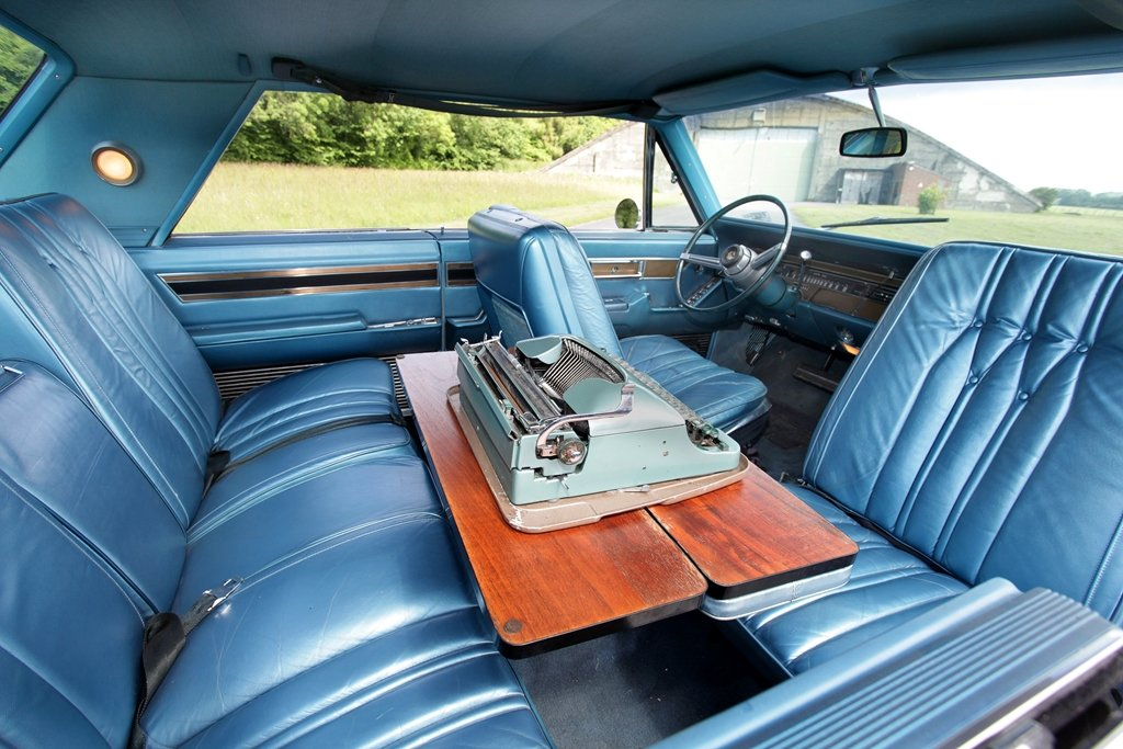 Rare 1968 Chrysler Imperial Coupe~Mobile Director SOLD (picture 3 of 6)