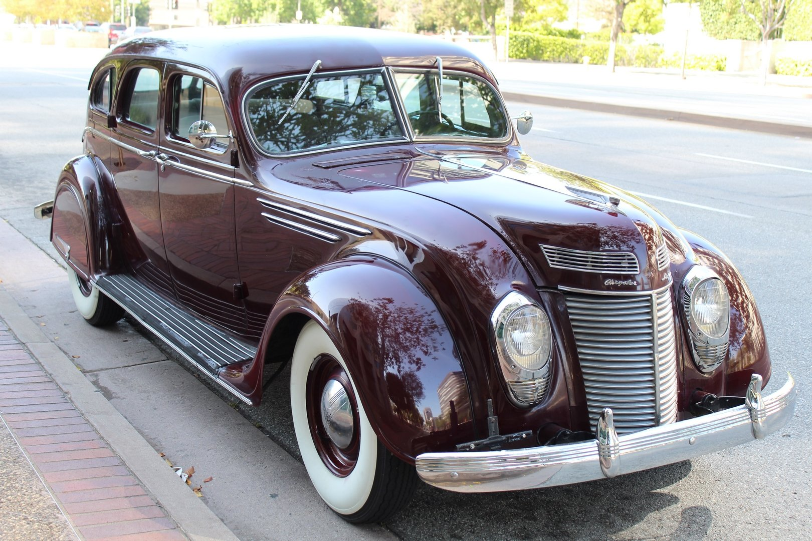 1937 CHRYSLER AIRFLOW C17 SOLD (picture 1 of 6)