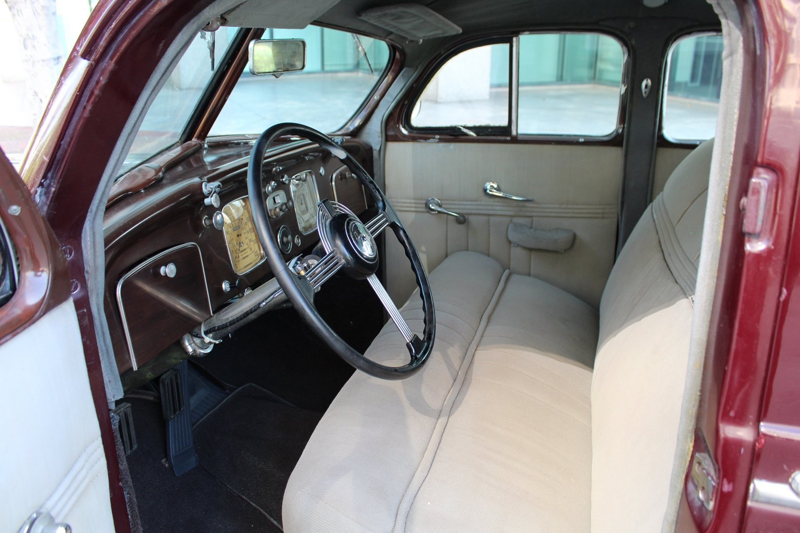 1937 CHRYSLER AIRFLOW C17 For Sale (picture 3 of 6)
