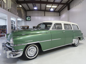 1952 Chrysler Saratoga 8 Town & Country Wagon For Sale